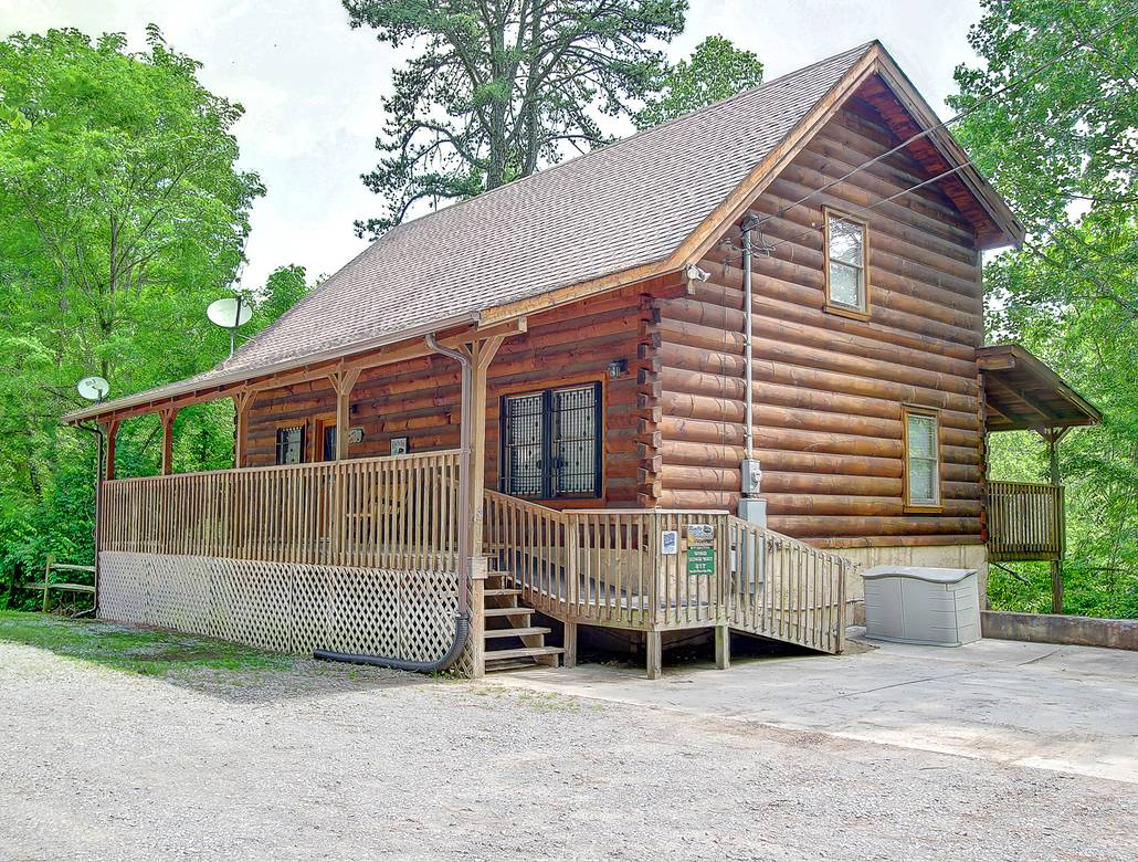 7 Bedroom Cabins In Gatlinburg Tn Wind Song Way Gatlinburgcabinrentals Com