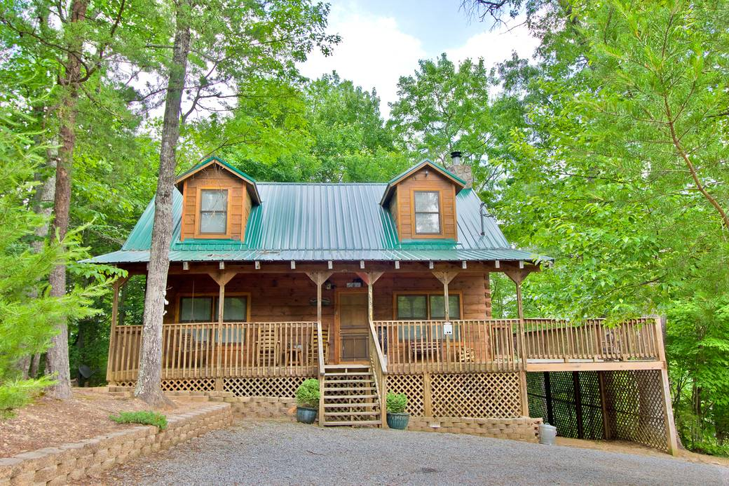 Winter haven 3 bedroom cabin rental in sevierville tn for Large cabin rentals in tennessee