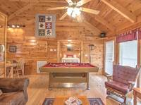 MAIN AREA at SNUGGLED IN in Sevier County TN
