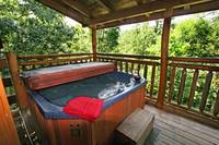 HOT TUB at A CLIMBING CUB in Sevier County TN