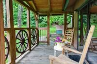 FRONT PORCH at BEAR HUGS in Sevier County TN
