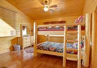BUNK BEDS at MAJESTIC ESCAPE in Sevier County TN
