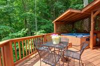 OUTDOOR DINING at COUNTRY CHARM in Sevier County TN