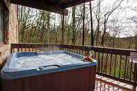 HOT TUB at MOUNTAIN MAJESTY in Sevier County TN