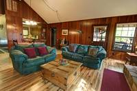 LIVING AREA at BEAR MOUNTAIN LODGE in Sevier County TN