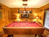 POOL TABLE at MOUNTAIN HOPE in Pigeon Forge TN