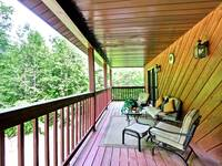 DECK at MOUNTAIN HOPE in Pigeon Forge TN