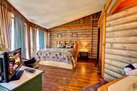 BEDROOM 1 at XXELK HORN LODGE in Gatlinburg TN