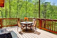 OUTDOOR DINING at MOUNTAIN TREASURE in Sevier County TN