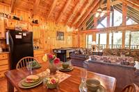 DINING AREA at TRANQUIL MOMENTS in Sevier County TN
