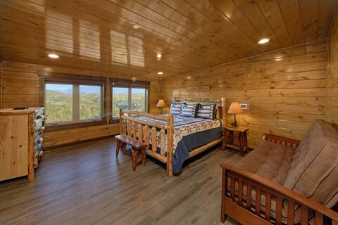 THE KING OF THE MOUNTAIN-BRAND NEW 2017 Cabin Rental