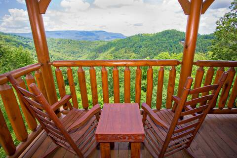 A PIECE OF HEAVEN 2 Bedroom Cabin Rental