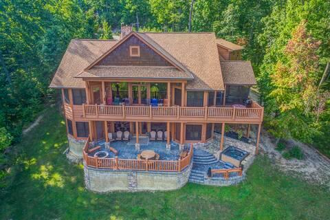 FIVE BEARS MOUNTAIN VIEW LODGE 5 Bedroom Cabin Rental