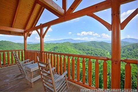 SMOKY MOUNTAIN HIGH 3 Bedroom Cabin Rental