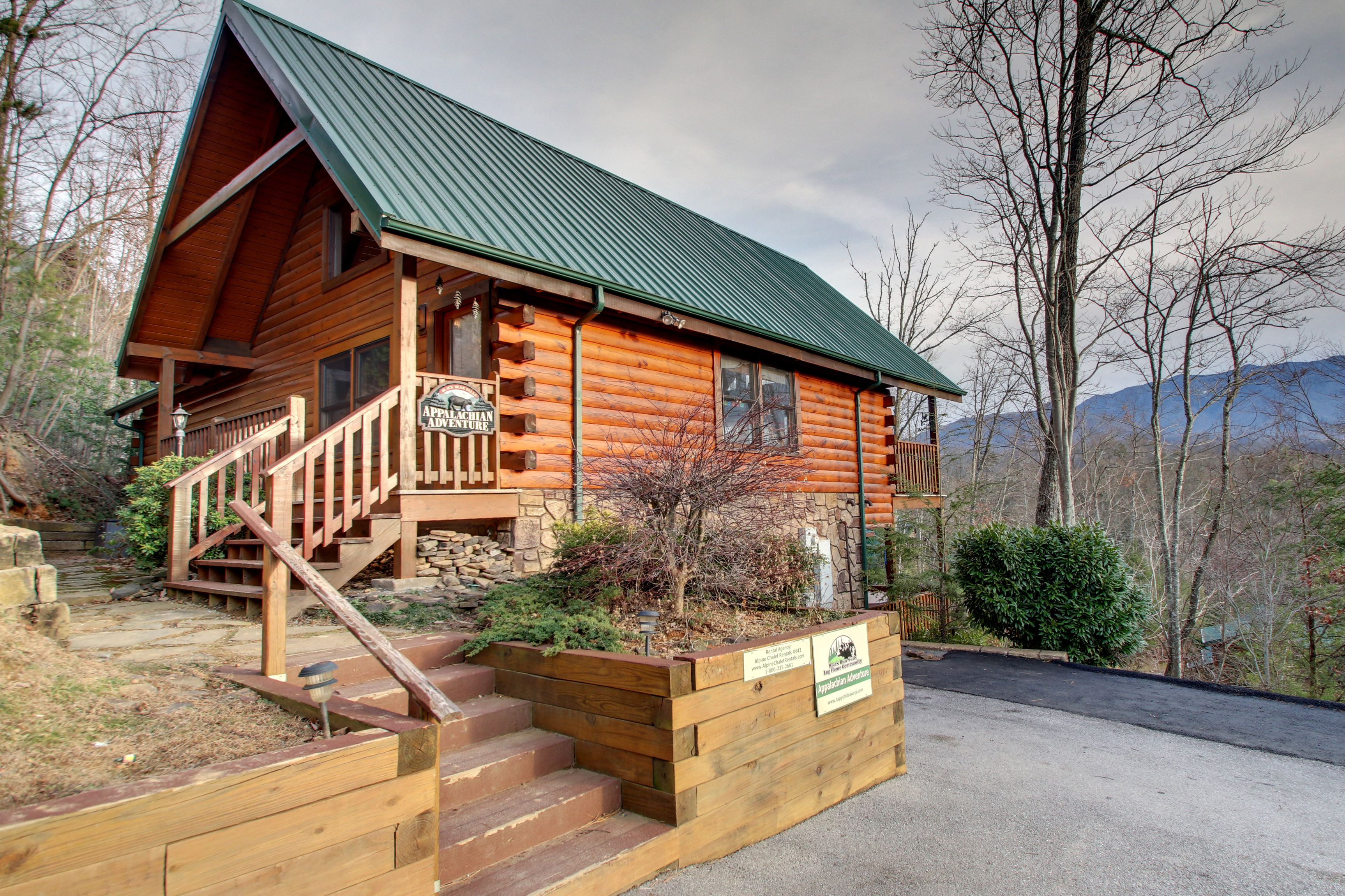 4bedroom sleeps14 appalachian adventure 642 by large for Appalachian mountain cabins