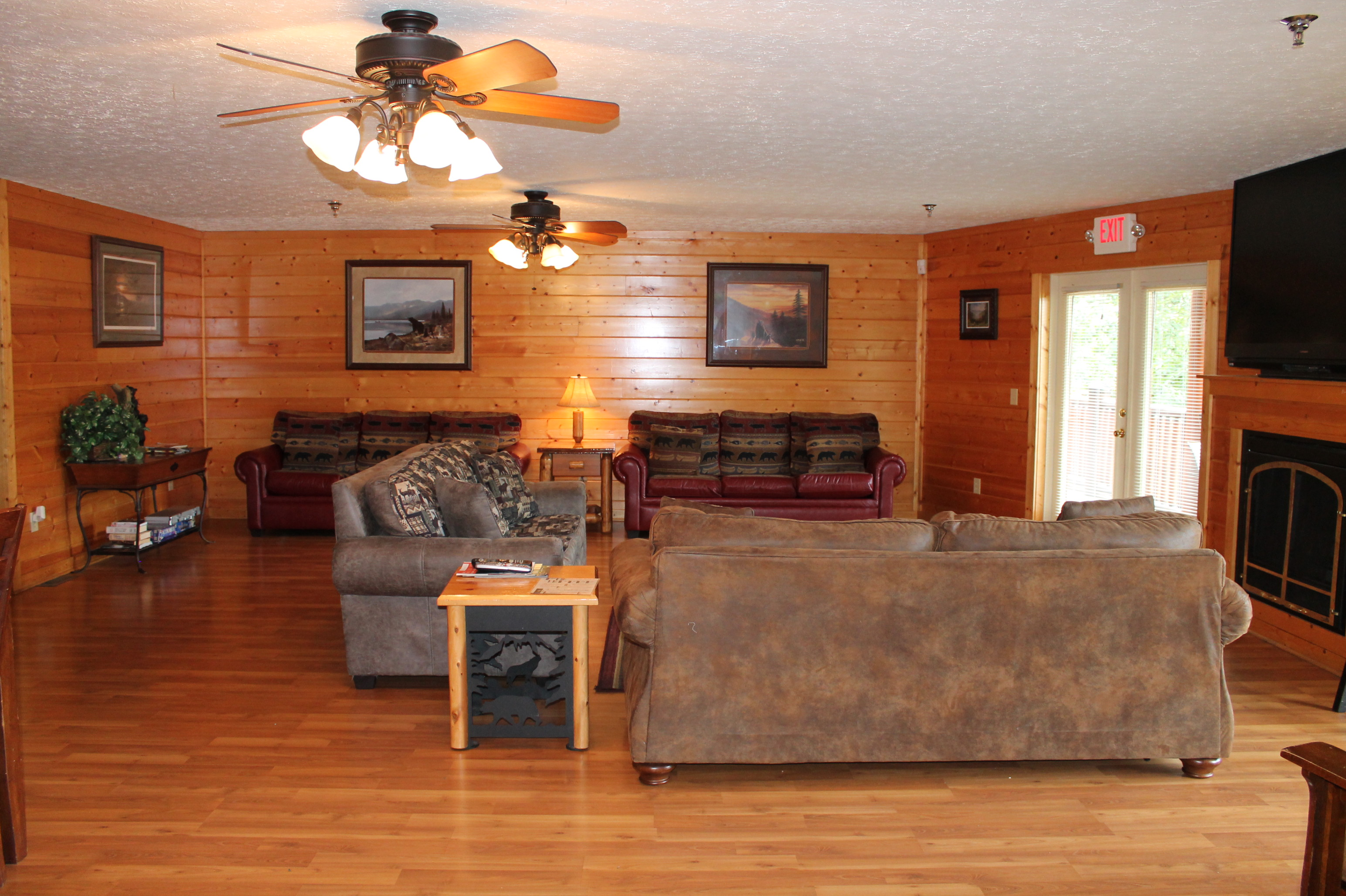 12Bedroom Sleeps53 BIG BEAR LODGE 112 by Cabin Rentals