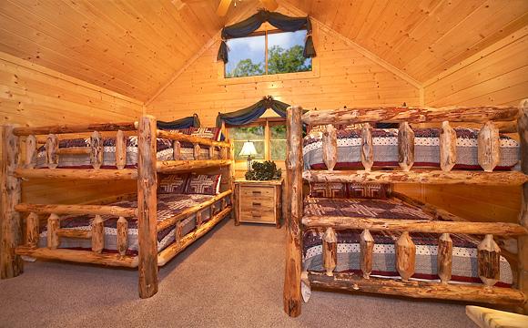 Genial ... MOUNTAIN BREEZE MANOR Cabin Rental ...