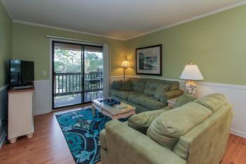 B21 Hilton Head Beach and Tennis  2 Bedroom Cabin Rental