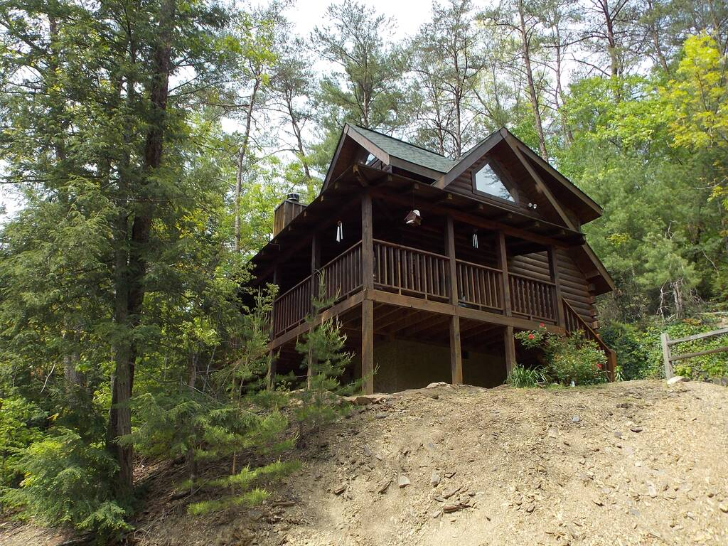 Sevierville cabins sevierville cabin rentals eagles ridge for Eagles view cabin sevierville tn