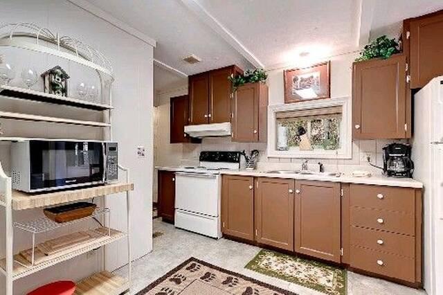 Willow Brook Kitchen Area