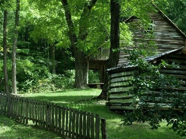 Settlers Village in Cades Cove