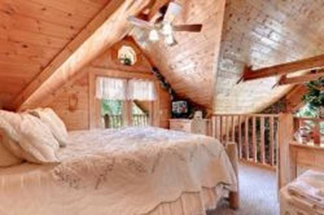 Gatlinburg Cabin Rentals_Apple Jack Hollow_Bedroom View