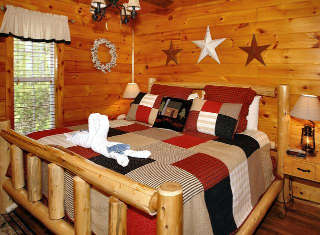 Gatlinburg Cabin Rentals_Tranquility_King suite with playstation