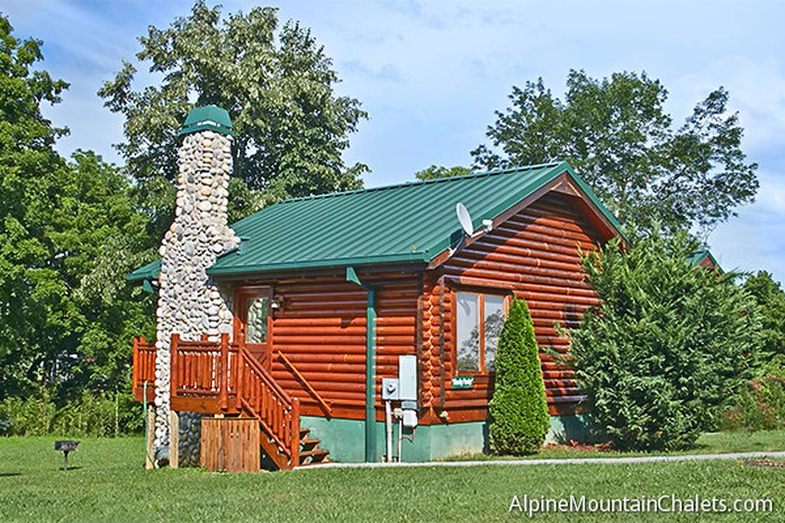 1 Bedroom Cabins - Pigeon Forge and Gatlinburg Cabins - Alpine ...