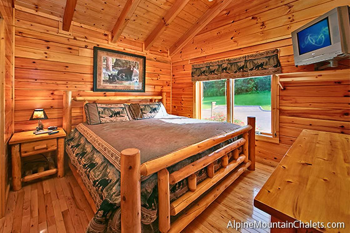 Area pigeon forge cabin rental skinny dippin 2 bedroom for 2 bedroom cabin rental pigeon forge