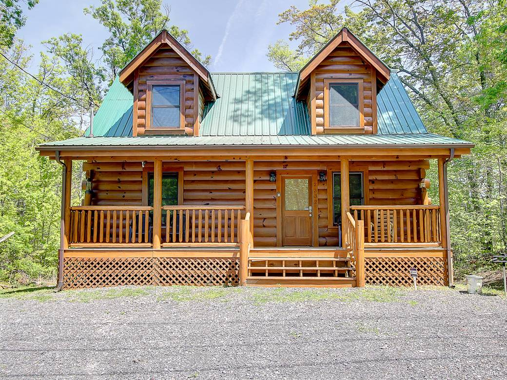 EXTERIOR at BEAR CUB HIDEAWAY in Sevier County TN