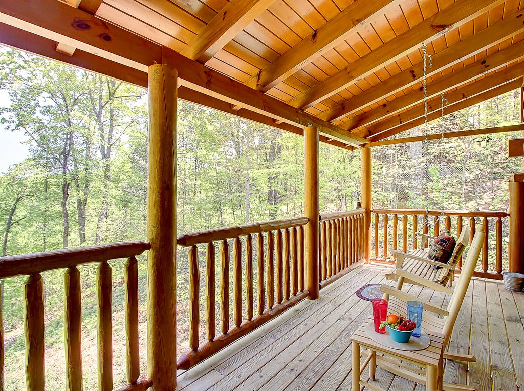 bear cub hideaway 2 bedroom cabin rental in sevierville 10772 | 10773