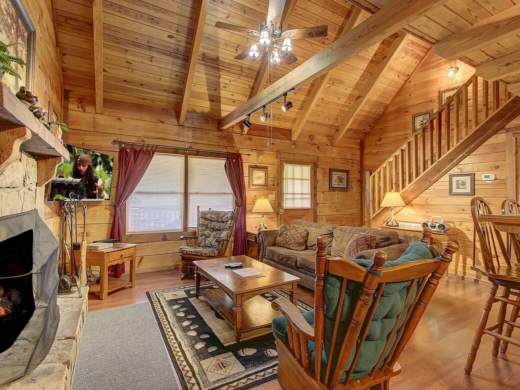 Lazy Daze 2 Bedroom Cabin Rental In Sevierville Tn