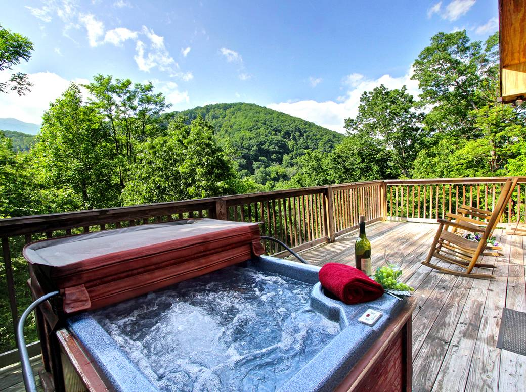 hot htm cabin rentals lodge tub gatlinburg in powdermill with
