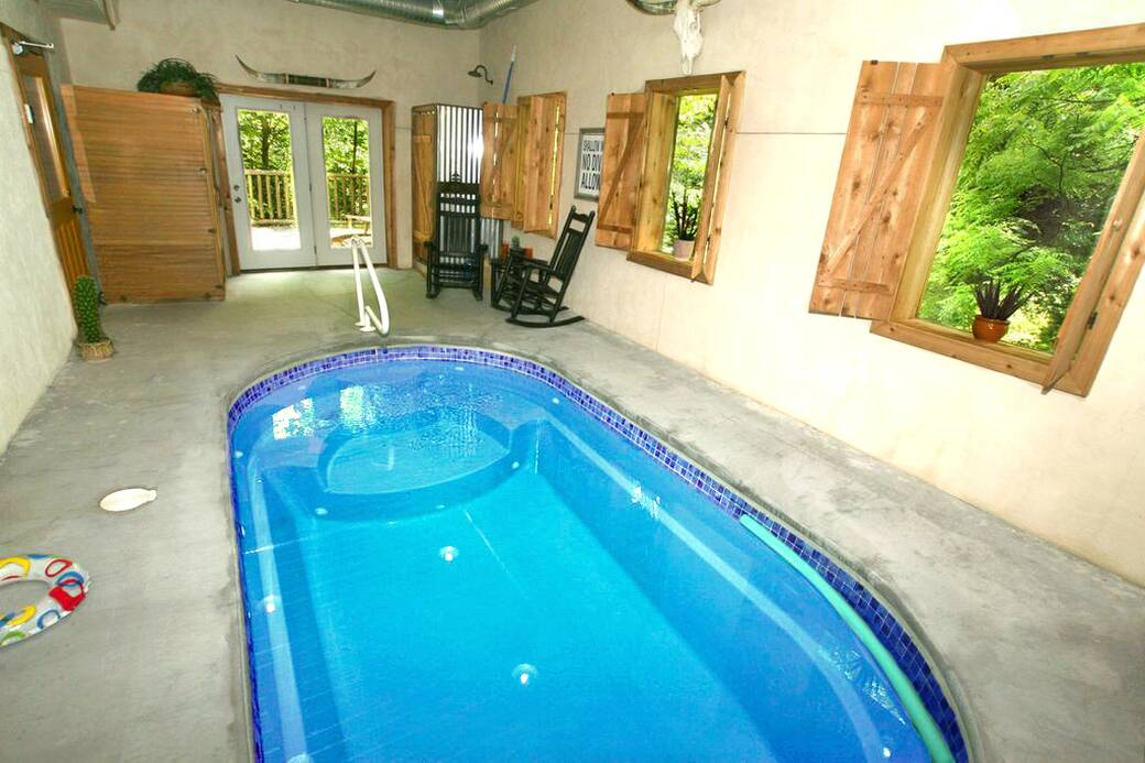 cabins springs for lodge pools resort pool sky elk rent indoor es with big in gatlinburg