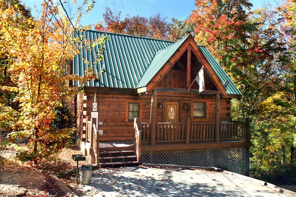 AUTUMN BREEZE 1 Bedroom Cabin Rental in