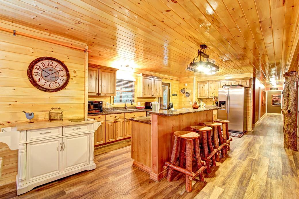 ALL-AMERICAN 9 Bedroom Cabin Rental in Sevier County
