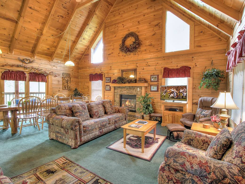 Grinnin Bears 6 Bedroom Cabin Rental In Pigeon Forge