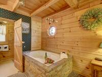 JACUZZI (BEDROOM 1) at FLAMING ARROW in Sevier County TN