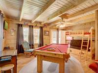 GAME ROOM (POOL TABLE, ARCADE GAME & BUNK BEDS)