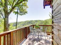 OUTDOOR DINING at HOME SWEET HOME in Sevier County TN