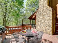 OUTDOOR  DINING at AMBERWOOD in Sevier County TN