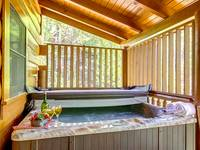 HOT TUB at BEAR CUB HIDEAWAY in Sevier County TN