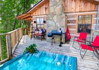 HOT TUB (SIDE DECK) at BEAR LEE FLYIN in Sevier County TN