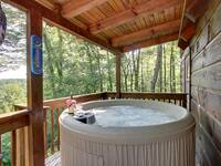 HOT TUB at HIDDEN TREASURES in Sevier County TN