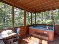 HOT TUB at SIMPLE COMFORTS in Sevier County TN