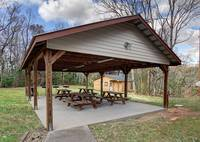 OUTDOOR DINING / GRILL STEAKS / GREAT FAMILY AREA TO GET TOGETHER at A FAMILY TRADITION in Gatlinburg TN
