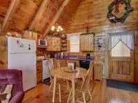 KITCHEN & DINING at HONEY BEAR HIDEAWAY in Sevier County TN