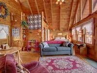 LIVING AREA at HONEY BEAR HIDEAWAY in Sevier County TN