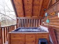 HOT TUB at HONEY BEAR HIDEAWAY in Sevier County TN