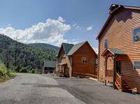 LOFTY BEAR LODGE